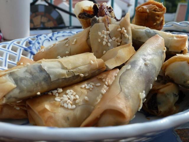חטיפי פילו במילוי פרג ותמרים