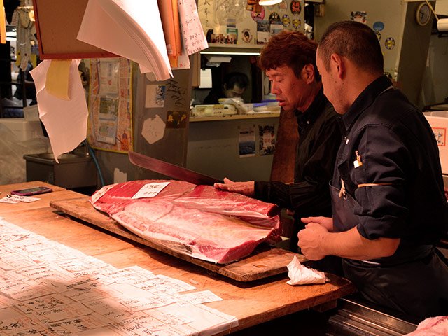 tsukiji market post cut02