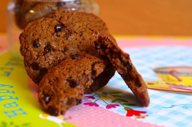 עוגיות טחינה ושוקולד צ'יפס {פליאו}