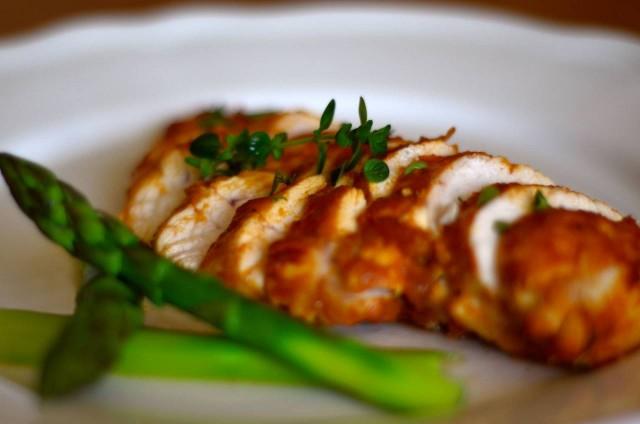 חזה עוף עסיסי בטעם חמוץ מתקתק